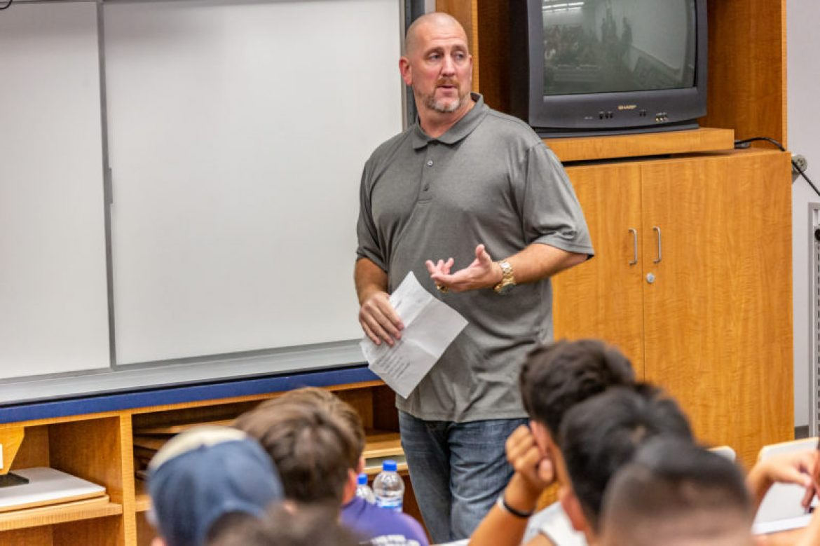 """Last Chance U"" star pays Saugus football a visit"