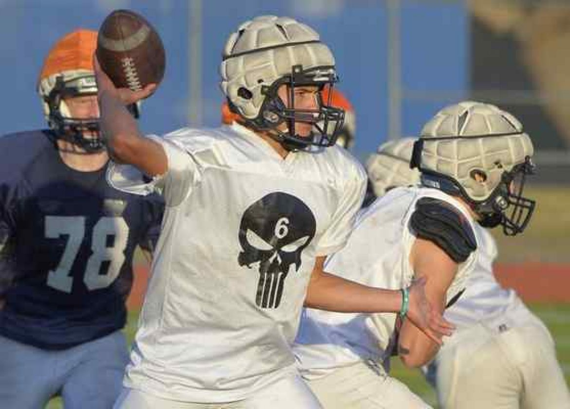 Unbeaten Saugus football team continues to rise and grind