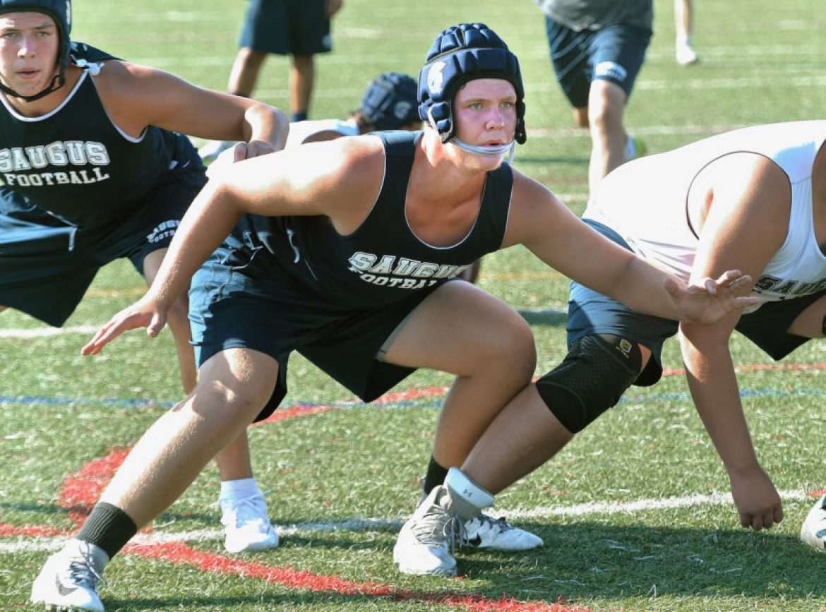 Saugus football focused on continuing hot start against Agoura